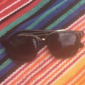 Cutest vintage UO dark black sunglasses for beach
